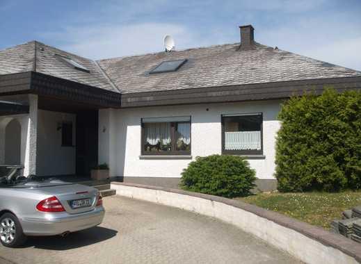 Gepflegte 4-Zimmer-DG-Wohnung mit Balkon und EBK in Monzelfeld