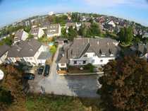 Eckhaus mit Terasse und Garten