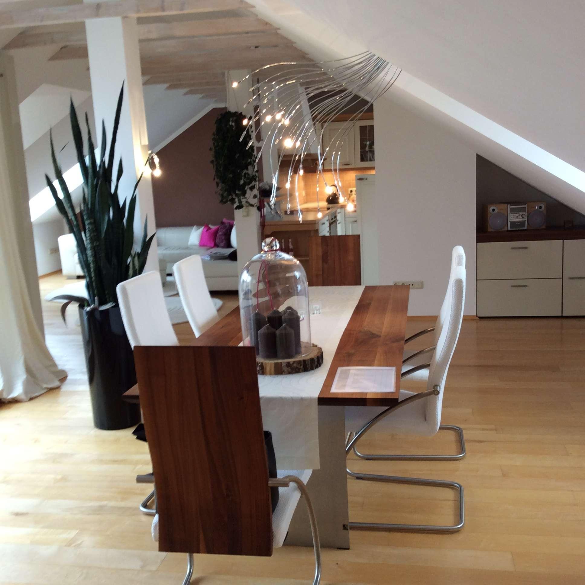Exclusive und möbilierte Wohnung mit Blick über die Dächer von Augsburg in Augsburg-Innenstadt