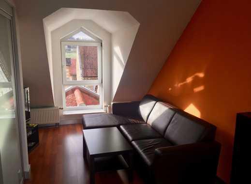 Wunderschöne 2,5 Zimmer Wohnung mit gemütlicher Dachloggia und Klimaanlage