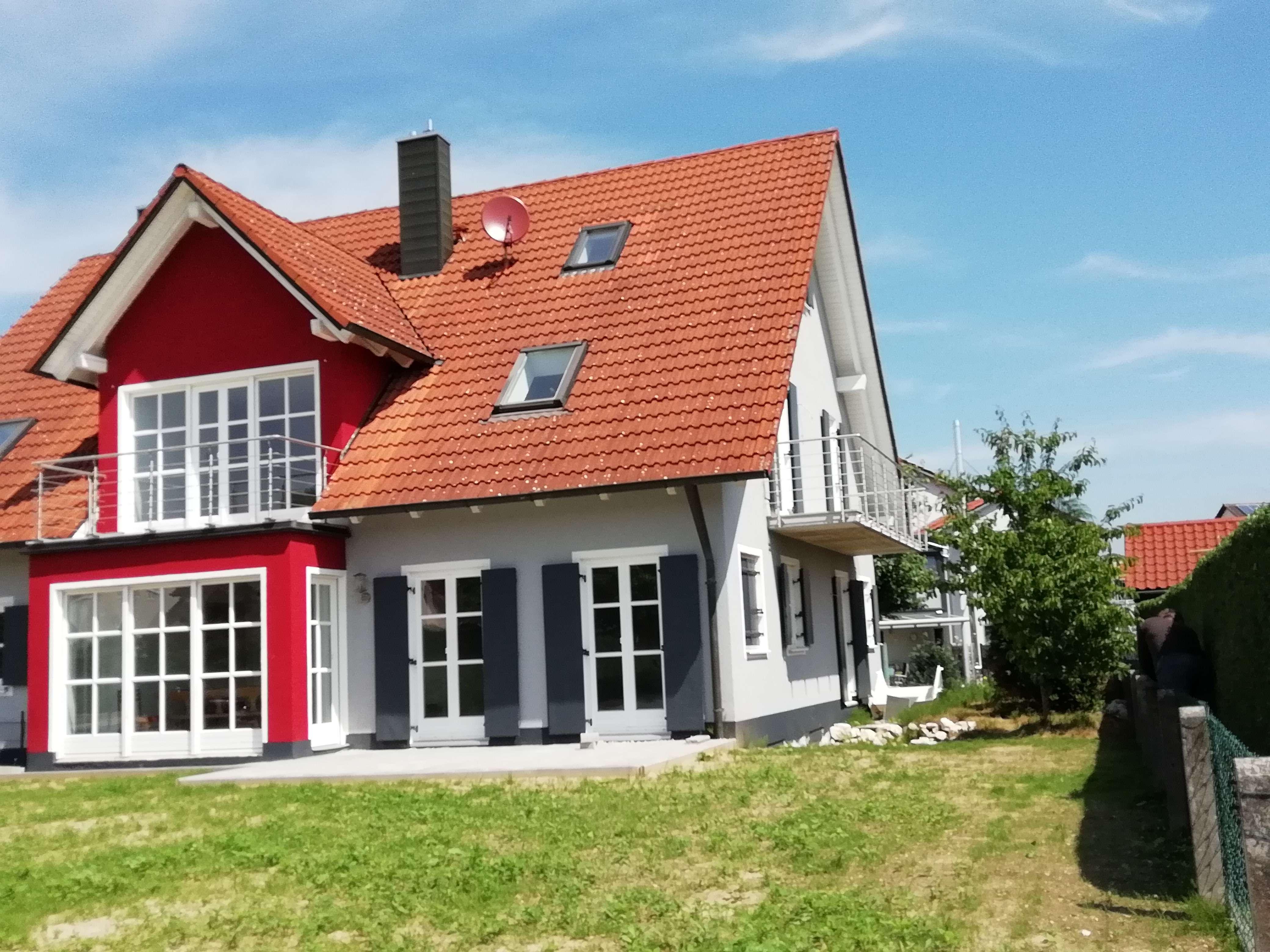 Neuwertige 5-Zimmer-EG-Wohnung mit Balkon in Schrobenhausen/Sandizel in Schrobenhausen