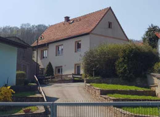 Haus mit Hof, Nebengelass und Garage in Großleinungen
