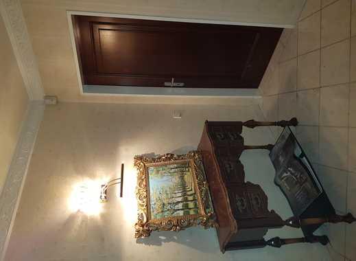 ein schönes helles WG-Zimmer zu vermieten!
