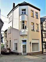 Wohn- und Geschäftshaus,