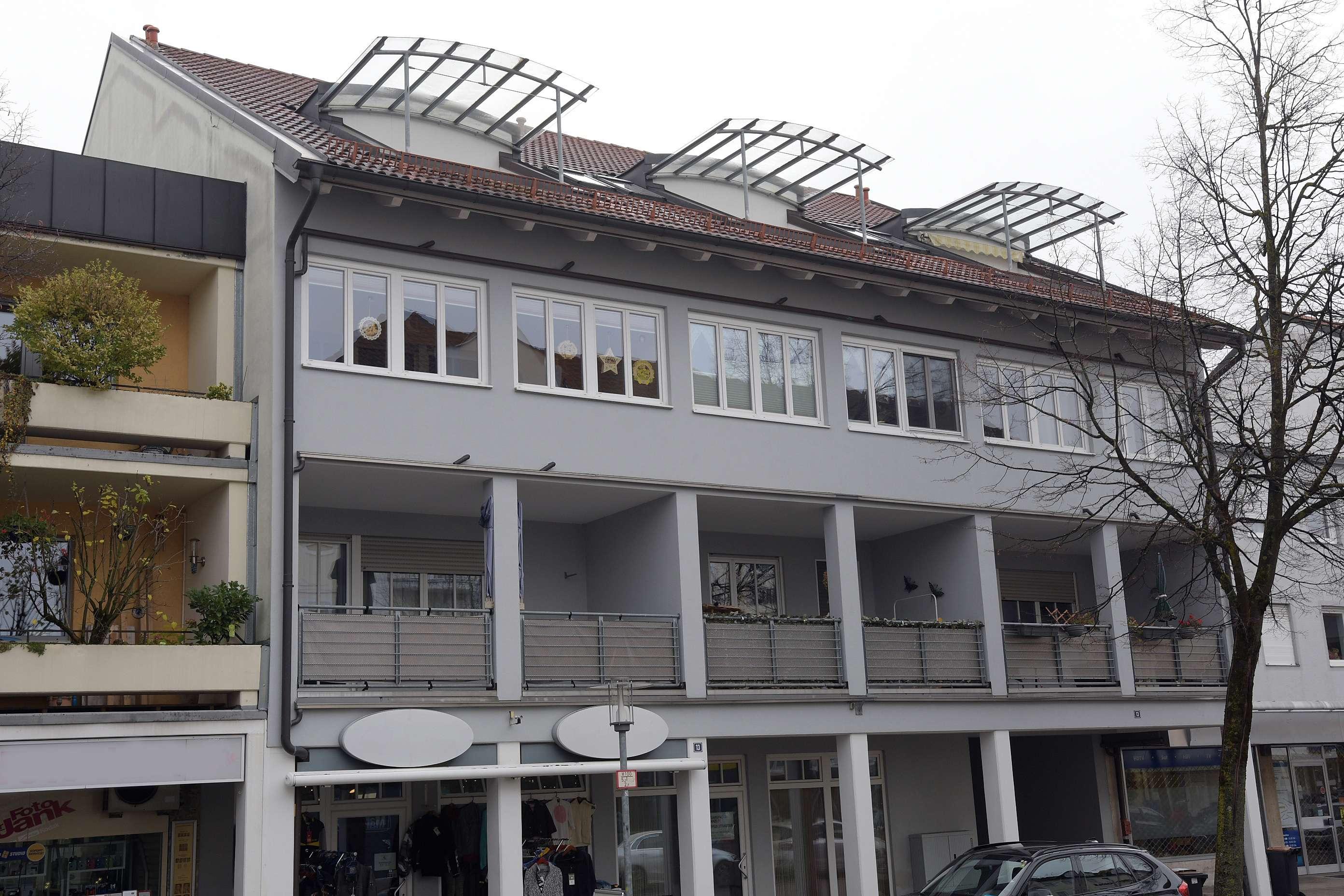 Gepflegte 3-Zimmer-DG-Wohnung mit Balkon in Frailassing, Zentrum in Freilassing