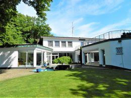 Villa mit Wohnatelier-Trakt un