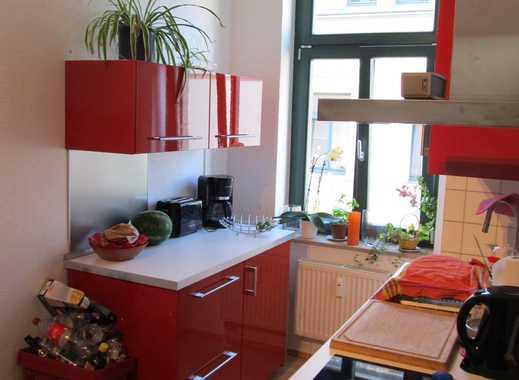 Gepflegte 2-Zimmer-Wohnung mit Balkon, gr. Keller, Einbauküche, eig. WM-Raum ----ohne Makler