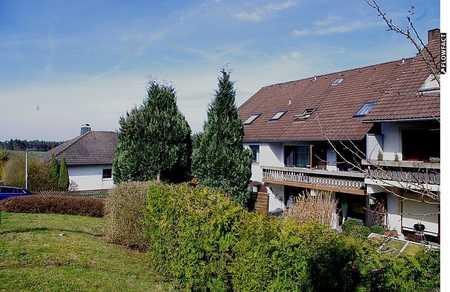 Gemütliche 2-Zimmer-Dachgeschosswohnung mit Einbauküche in Ahorn-OT in Ahorn