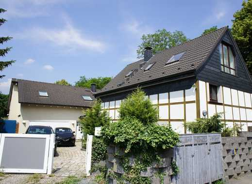 Zwei Häuser - großer Garten - Hoffläche