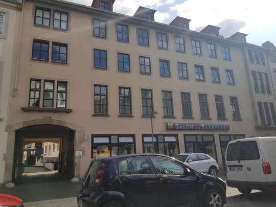 Vollständig renovierte 3-Zimmer Wohnung in zentraler Lage, Bankplatz 3