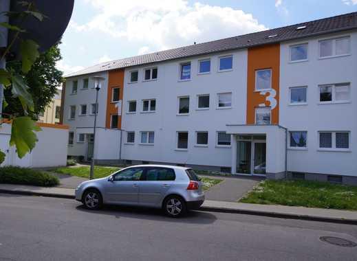 Schicke Wohnung mit Wintergarten und Balkon