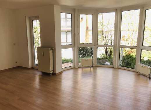 Stilvolle, gepflegte 2-Zimmer-EG-Wohnung mit Terasse und Einbauküche in Mainz-Finthen