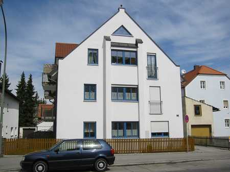 3 Zimmer Wohnung im gemütlichen Wohnflair mit Einbauküche und Balkon. in Wolfgang