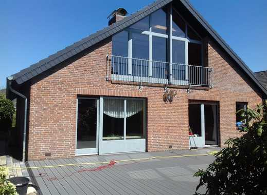 Schönes Haus mit sieben Zimmern in Pinneberg (Kreis), Pinneberg