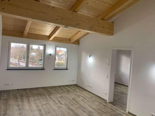 Schöne gemütliche Dachgeschosswohnung mit Sichtdachstuhl Nr. 28 in