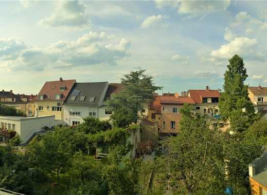 schöne und freundliche 4 Zimmer mit Balkon und Blick ins Grüne.