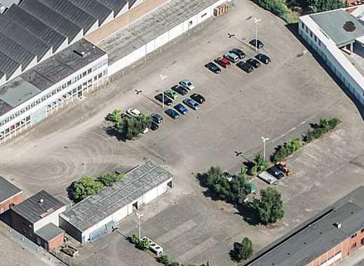 LKW-Stellplätze auf großflächig umzäuntem, gepflastertem Areal im Gewerbegebiet zu vermieten