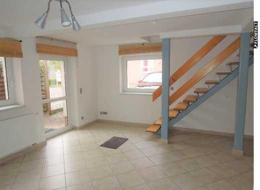 Tolles Einfamilienhaus mit Terrasse.