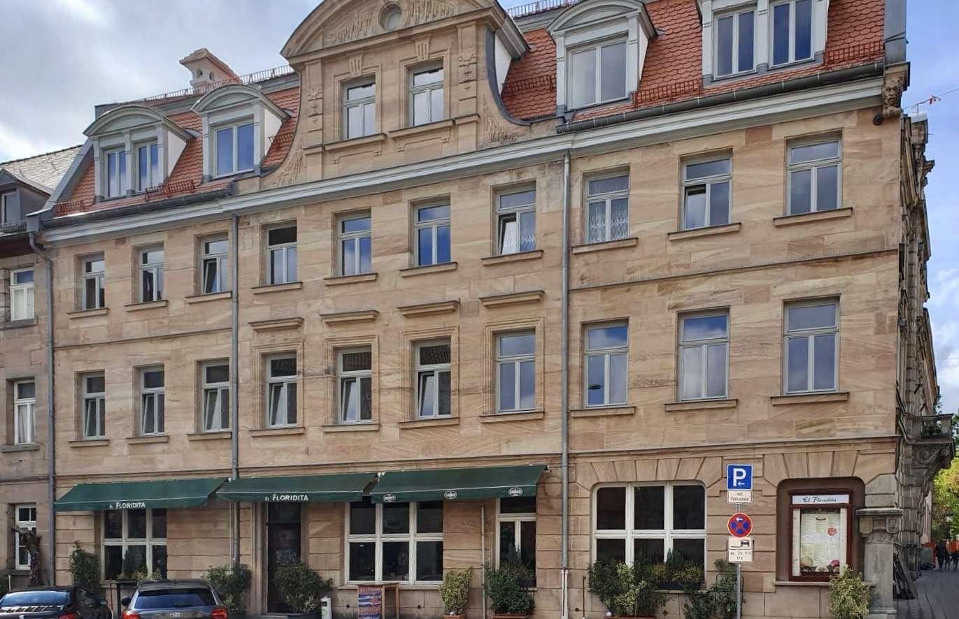 Erstbezug nach Sanierung: stilvolle 2-Zimmer-Wohnung mit gehobener Innenausstattung in Fürth in