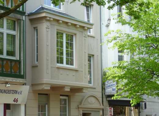 2 Zimmer Wohnung mit Terrasse in schönem Altbau