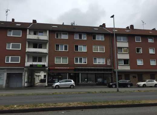 Mehrfamilienhaus mit Ladenlokalen + Hofgebäuden in der Gelsenkirchener Innenstadt