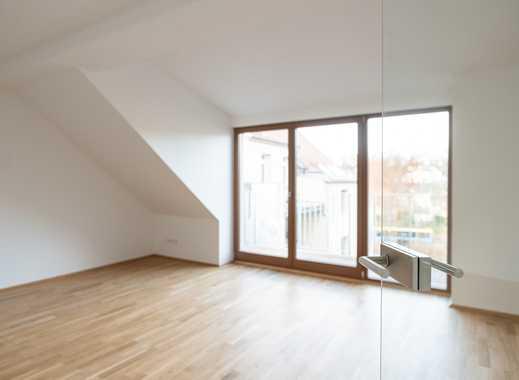 Hier ist Ihre Traumwohnung! - Erstbezug in eine moderne DG-3-Raum in Schloßchemnitz