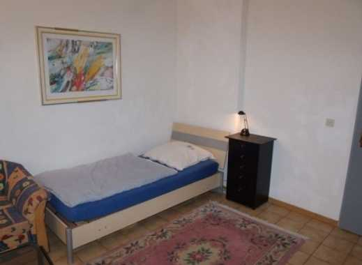 INTERLODGE Vollständig möbliertes Apartment mit separater Küche und Gartennutzung in Essen-Altendorf