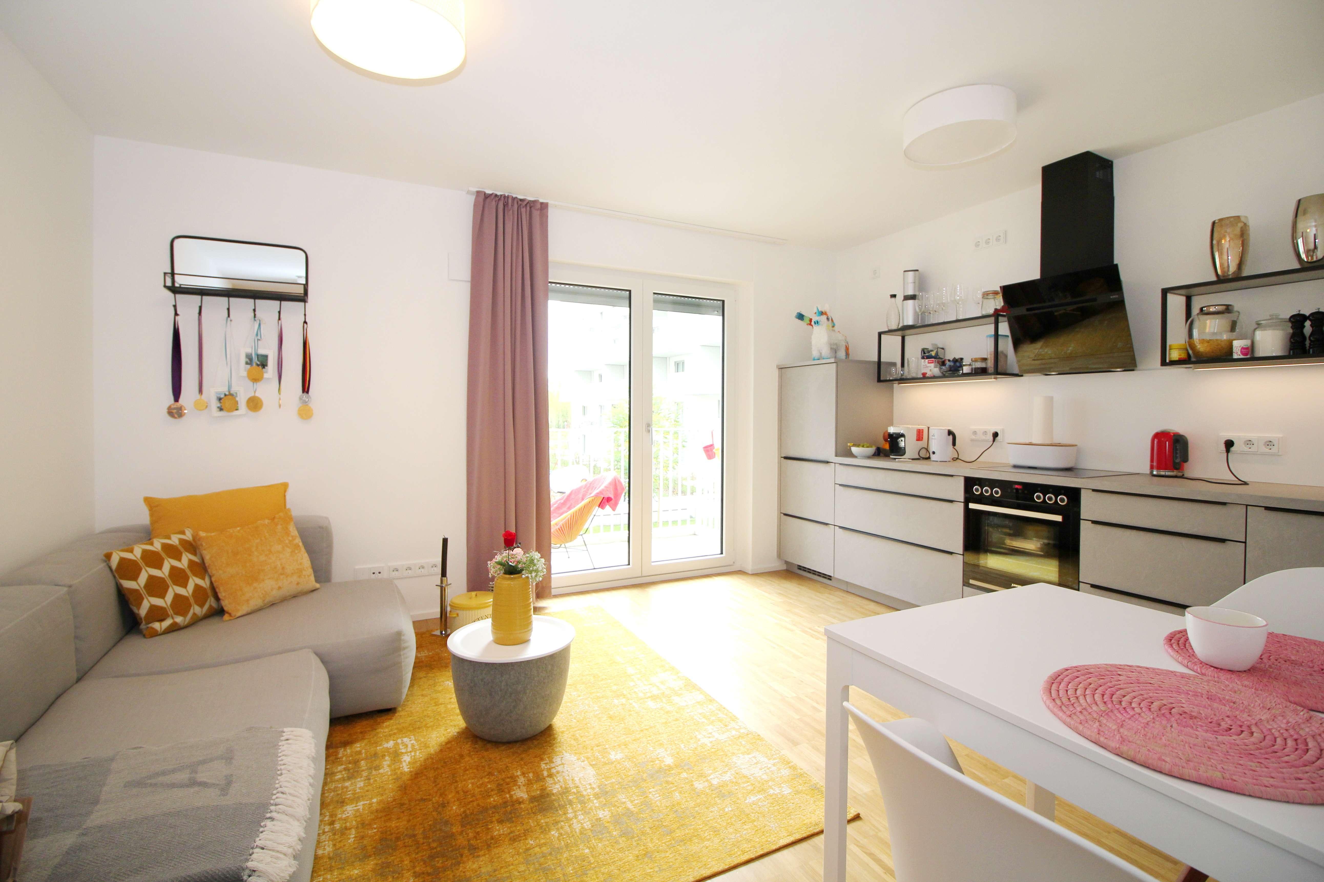 Moderne 2-Zimmer-Wohnung mit Ankleidezimmer im schönen Schwabing in Schwabing (München)