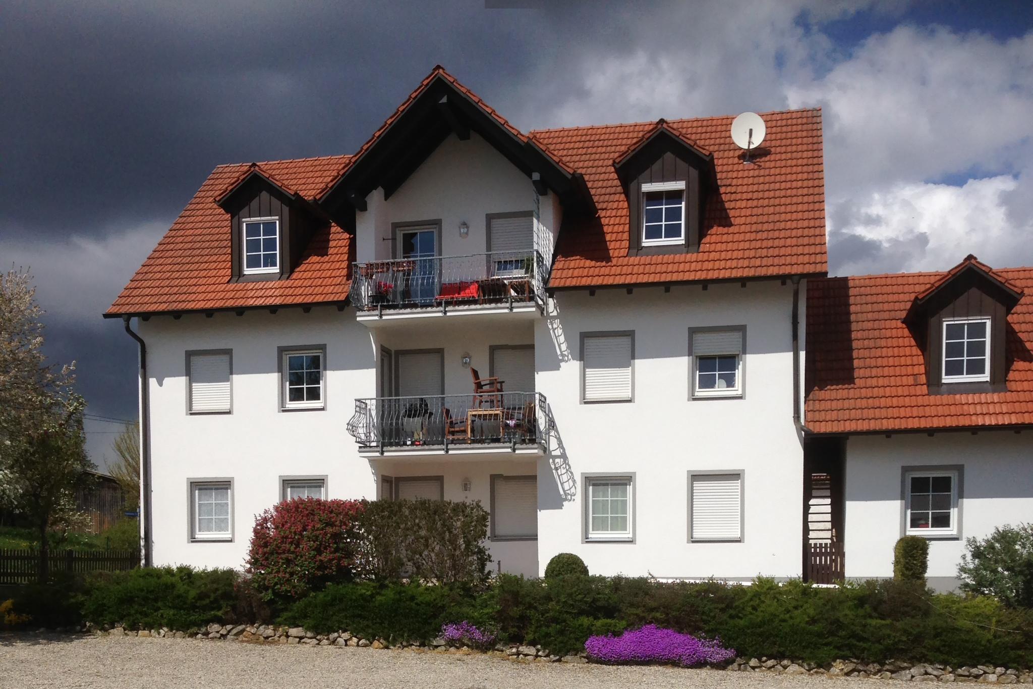 Gepflegte 4-Zimmer-EG-Wohnung mit Terrasse in Schweitenkirchen/Giegenhausen