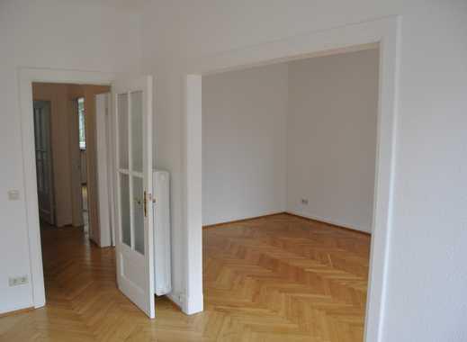 Traumhafte  2,5 Zimmerwohnung in Pöseldorf in bester Lage, nur 2 Minuten von der Alster entfernt
