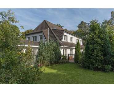 Klassische Doppelhaushälfte, modern & edel ausgestattet, auf 1000m² Grund in Köln