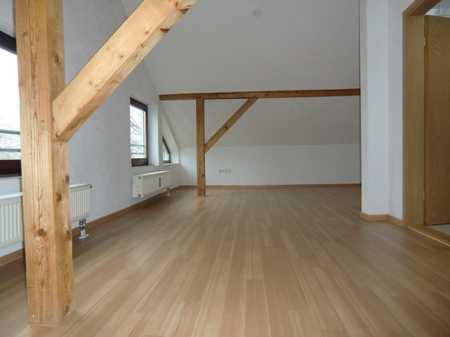 ••• gemütliche… neu sanierte Dachgeschoßwohnung … in begehrter Lage in Gaimersheim