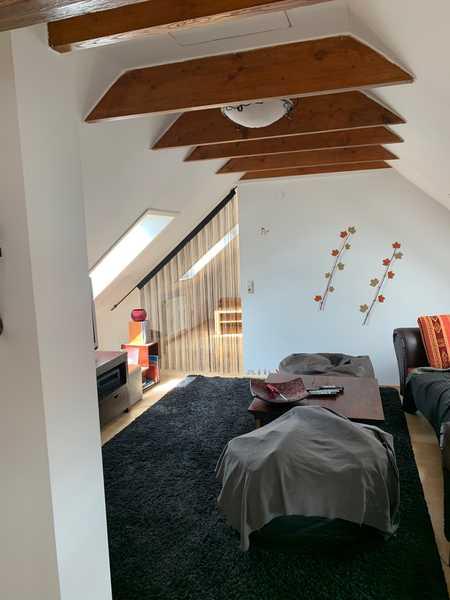 Modernisierte Maisonette-Wohnung mit drei Zimmern und Einbauküche in Augsburg in Göggingen