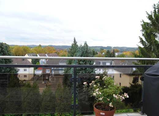 Gepflegte 2-Zimmer-DG-Wohnung mit Balkon in Essen