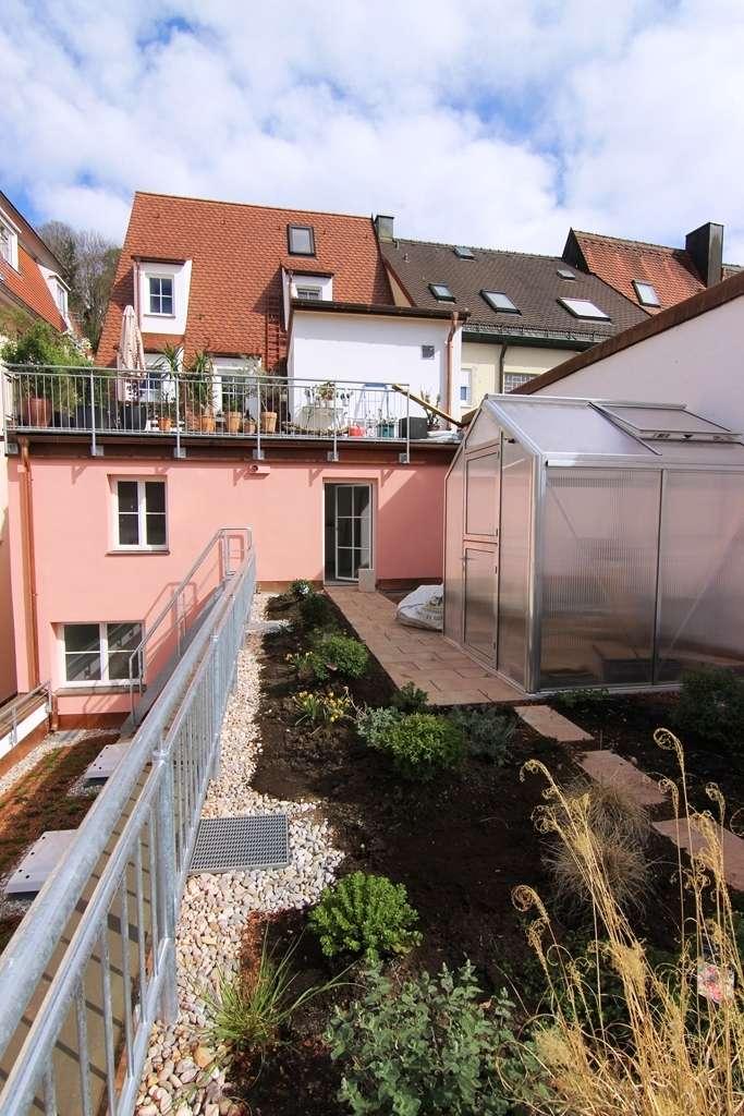 Wunderschöne Dachgartenwohnung *barrierefreie* in hochwertig restauriertem Altbau in Innenstadtlage