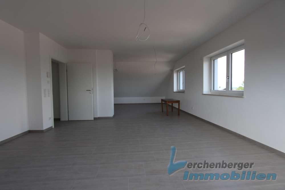 IMMOBILIEN LERCHENBERGER: Schöne und helle 3 Zimmer Dachgeschosswohnung zum Erstbezug in Michaelsbuc in
