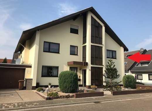 Sandhausen: top gepflegte 4 ZKB Wohnung im OG. eines 3 FH mit Einbauküche, Balkon u. Garage