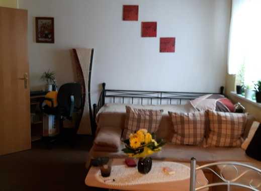 Gepflegte 1-Zimmer-Wohnung mit Balkon und Einbauküche, evtl. Vollmöblierung