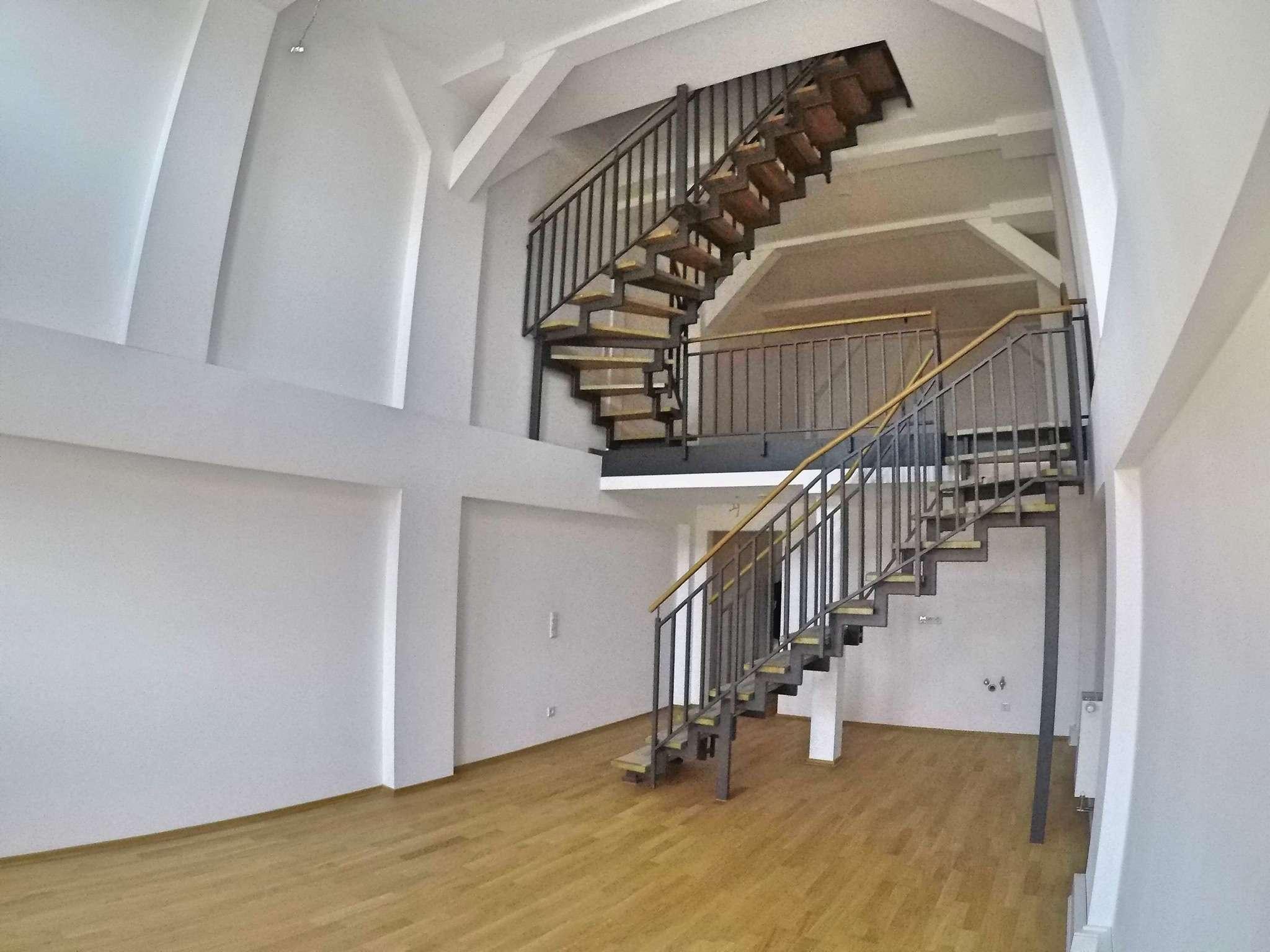 Einzigartiges Loft auf 3 Etagen in einem ehem. Straßenbahndepot, Erstbezug, 101m², 2,5 Zimmer in