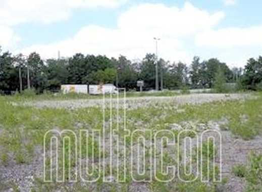 Gewerbegrundstück - Straßenfront im südlichen Stadtbereich von Nürnberg