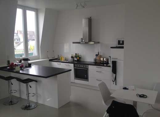 Voll möbliert - Beste Lage - hochwertige 2 Zimmerwohnung direkt am Markt in Bornheim
