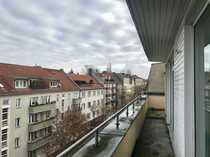 Bild BES: DIENSTAG um 18:15 UHR! Wunderschöne DG-Wohnung! Große Terrasse**Renoviert! *EBK*Fahrstuhl*