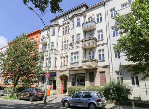 Wohnen in Pankow: 2 Zimmer Altbauwohnung mit Balkon im Hinterhaus (in Sanierung)
