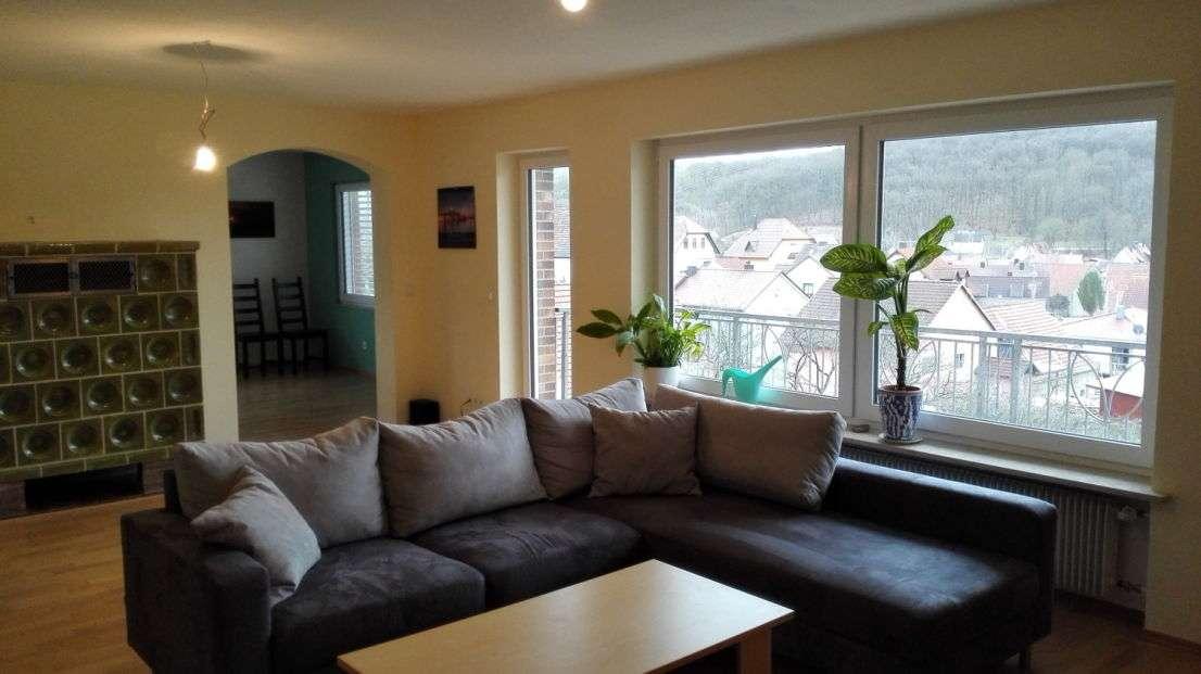 Lichtdurchflutete 4 Zimmerwohnung - Genießen Sie die Aussicht in einen schönen Garten in