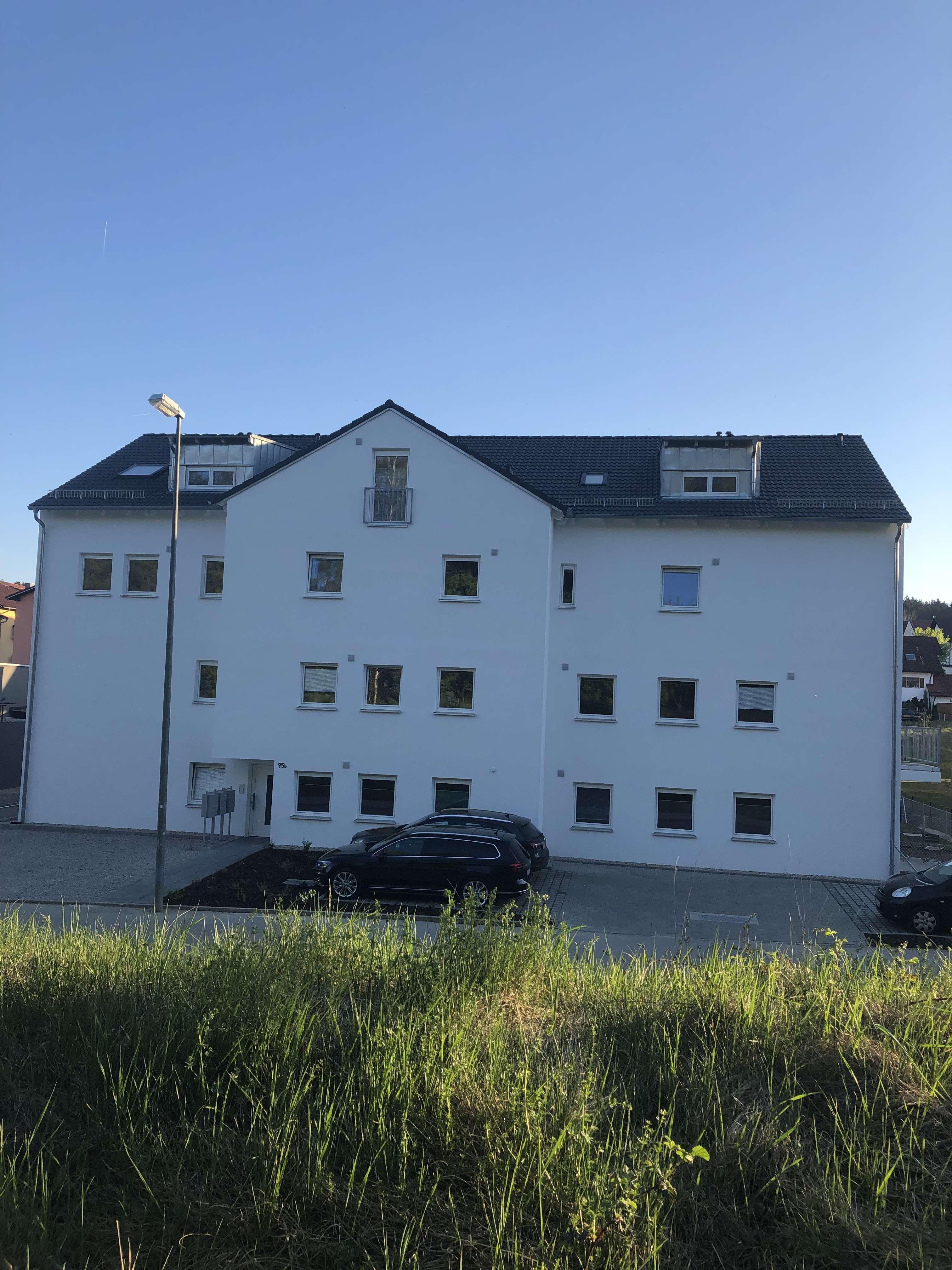 Neubauwohnung mit Balkon: stilvolle 3-Zimmer-Wohnung in Pfaffenhofen an der Ilm