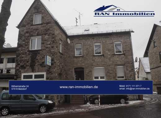3 Familienhaus mit Geschäft in Selters!!!