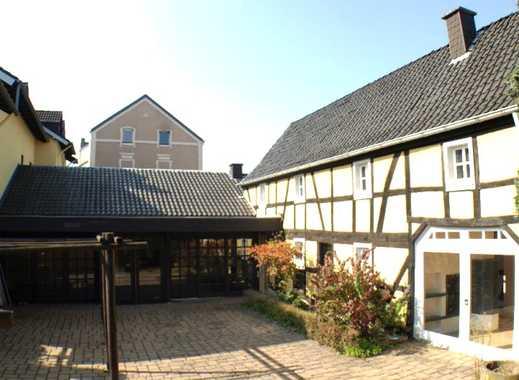 Etwas Besonderes für Gastronomie: Historisches Gebäude im Stadtzentrum Bonn-Duisdorf zu verkaufen.
