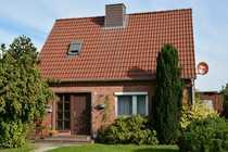 Schönes Einfamilienhaus mit großem Obstgarten
