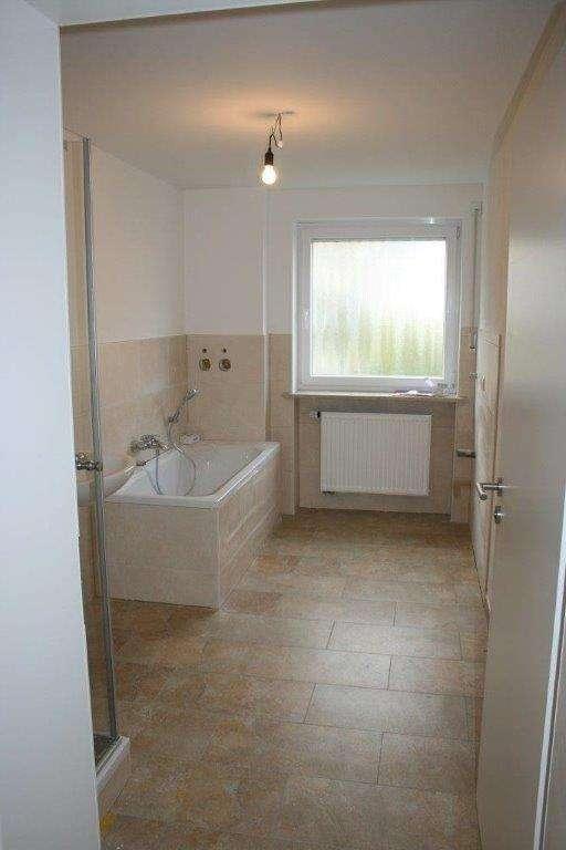 Hochwertige 4-Zimmerwohnung im 1.Stock! Nur 3 Wohneinheiten. Top-Lage Am Römerberg in Mainburg