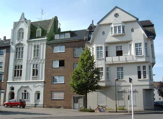 Gemütliche Dachgeschoss-Wohnung mit gelungener Raumaufteilung ! Fachhochschulnähe !